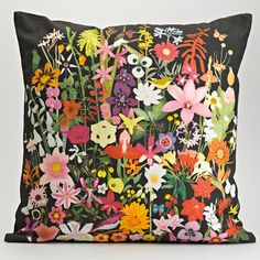 damn, this cushion is mighty fine. And such a pretty way to freshen up the couch for spring/summer.