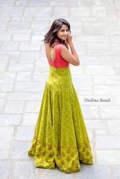 Cd Indian Gowns Dresses, Indian Fashion Dresses, Indian Designer Outfits, Designer Gowns, Frock Fashion, Long Gown Dress, Lehnga Dress, Long Frock, Lehenga Gown