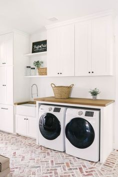Modern Farmhouse Tour with Texas Forever Farmhouse — Farmhouse Living Next Previous Hey, 'Fixer Upper' Fans! Chip and Joanna Gaines…Modern Farmhouse Tour with Texas Forever Farmhouse —… Farm House Living Room, Room Design, Interior, Home, Laundry Room Inspiration, Farmhouse Interior, Room Inspiration, Room Remodeling, Laundry