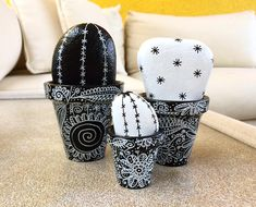 Cactus Black and White Cute Painted Rock Cactus, Painted Clay Pots, Painted Rocks Craft, Pebble Painting, Pebble Art, Stone Painting, Cactus Decor, Cactus Art, Garden Cactus