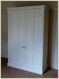 Elegant Classic Free Standing Closet Wood Wardrobe