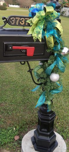 Decorations for mailbox