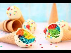 Receta de Rainbow Cake Pops de conos de helados: Aprende a cocinar Rainbow Cake Pops de conos de helados de la forma más sencilla y dulce!