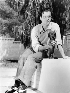 John Payne publicity photo with dox pup Hollywood Men, Hollywood Icons, Golden Age Of Hollywood, Classic Hollywood, Hollywood Stars, Dog Love, Puppy Love, John Payne, Classic Movie Stars