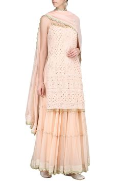 PRIYANKA JAIN presents Peach lucknowi embroidered kurta with skirt and dupatta available only at Pernia's Pop Up Shop. Dress Indian Style, Indian Dresses, Indian Outfits, Indian Wear, Indian Designer Outfits, Designer Dresses, Designer Kurtis, Long Kurti With Skirt, Simple Pakistani Dresses