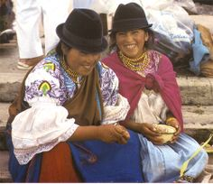 women of ecuador Native Country, Quito Ecuador, South American Countries, Mexico Culture, Equador, People Of The World, Vintage Country, Central America, Traditional Dresses
