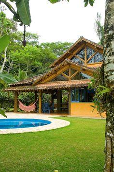 RESIDÊNCIA MM: Casas rústicas por MADUEÑO ARQUITETURA & ENGENHARIA