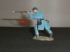 BRITAINS 31156 UNION INFANTRY IN OVERCOAT CIVIL WAR METAL TOY SOLDIER FIGURE