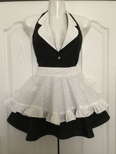 2 in 1 French Maid apron French Maid Lingerie, Hocus Pocus, Aprons, Crossdressers, Costume Ideas, Skater Skirt, Needlework, Halloween Costumes, Ballet Skirt