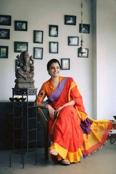 Indian Attire, Indian Outfits, Beautiful Saree, Beautiful Outfits, Simple Sarees, Stylish Sarees, Indian Designer Outfits, Saree Styles, Saree Blouse Designs
