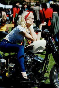 Harley Davidson Bikerbabe