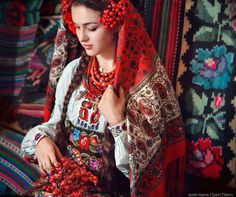 "Folklore and Fashion: The Story of the ""American"" Ukrainian Kerchief"