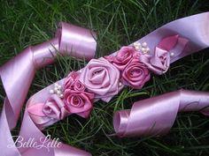 Mályvarózsaszín díszöv (S) Pink, Fashion, Moda, Fashion Styles, Pink Hair, Fashion Illustrations, Roses