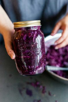 Purple cabbage and fennel seed sauerkraut Caraway Seeds, Fennel Seeds, Fermentation Recipes, Purple Cabbage, Seasonal Food, Fermented Foods, Sauerkraut, Vegan Sweets, Fabulous Foods