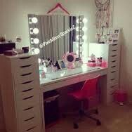 Plenty of drawer space here. Nice large lighted mirror