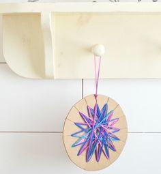 Cómo hacer #estrellas para #Navidad con #cartón y #lanas de colores  #DIY #HOWTO #ecología #reciclar #reutilizar