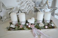 Advent Wreath Candles, Christmas Advent Wreath, Christmas Mood, Diy Christmas Tree, Christmas Candles, Christmas Centerpieces, Christmas 2019, White Christmas, Christmas Decorations