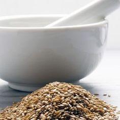 BENEFICI DEI SEMI DI LINOGrazie alle proprietà proprietà anticancerogene e antiossidanti, i semi di lino costituiscono un prezioso aiuto per la salute e la bellezza. Inoltre poss