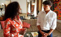 Moradores brasileiros e franceses mesclam em casas e apartamentos a cultura de seus países. Assista.