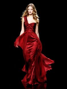 Gown red as blood,  Skin white as snow;  Dress like a goddess  And give 'em a show!