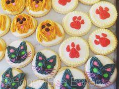 #catcookies and #dogcookies with #royalicing #icedsugarcookies
