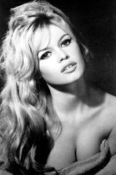 Brigitte Bardot considerada o grande símbolo sexual dos anos 50.