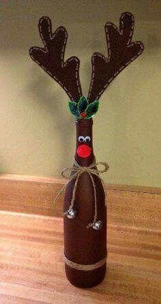 Innovative Way To Decorate Wine Bottle As Reindeer Noel Christmas, Homemade Christmas, Diy Christmas Gifts, Christmas Decorations, Christmas Ornaments, Reindeer Christmas, Wine Bottle Art, Painted Wine Bottles, Wine Bottle Crafts