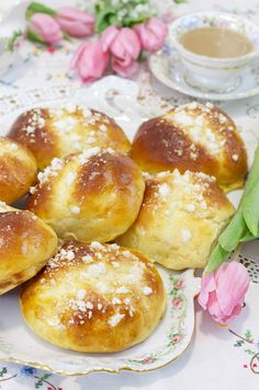 Sweet Buns, Spanish Food, World Recipes, Dessert Recipes, Desserts, Pretzel Bites, Sweet Tooth, Cooking Recipes, Bread