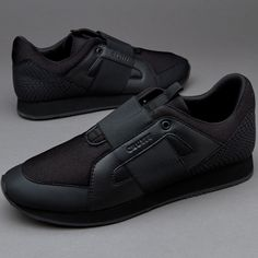 1e20e4dd12853 Cruyff Rapid - Black. All Black Sneakers