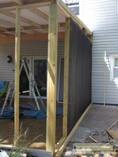 A New Room to Enjoy: Building the Screened-in Porch Sorry it has been so long since I have posted something. I have been busy again. And a forewarning, this post is extra long and picture happy. I have always wanted a screened-in porch, ever sinc… Screened In Porch Diy, Screened Porch Designs, Enclosed Porches, Decks And Porches, Diy Screen Porch, Outdoor Screen Room, Screened Porch Decorating, Screened Gazebo, Back Porches