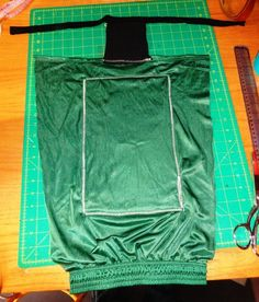 How to make a pet accessory. Paralyzed Dog Detailed Drag Bag Instructions - Step 10