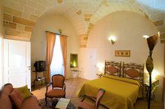 Hotel Residence Palazzo Baldi, Galatina  http://www.salentomonamour.com/scheda_attivita.php?id=92=*=Hotel%20Residence=*