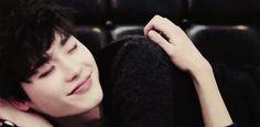 10 GIFs adoráveis para comemorar o aniversário de Lee Jong Suk