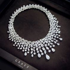 Jewelry Diamond : New from the Graff workshop, this eye watering multi shape diamond necklace tota. - Buy Me Diamond Graff Jewelry, High Jewelry, Diamond Jewelry, Jewelery, Jewelry Accessories, Jewelry Necklaces, Jewelry Design, Diamond Necklaces, Luxury Jewelry