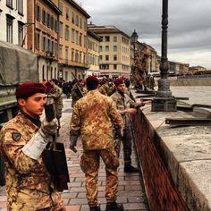 #Esercito a #Pisa #Arno in piena