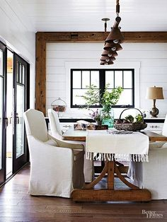 74 reference of modern farmhouse dining room wall decor, Dining Room Blue, Dining Room Wall Decor, Dining Room Design, Dining Rooms, Dining Area, Dining Table, Style Deco, Modern Farmhouse Decor, Fresh Farmhouse