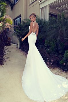 Gorgeous Wedding Dresses by Nurit Hen 2014 Love the silhouette.