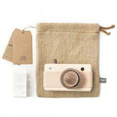 FANNY & ALEXANDER HEIRLOOM WOODEN TOY CAMERA - PINK