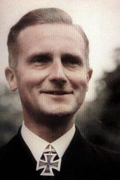 Kapitänleutnant Werner Dobberstein (1911-1993), Chef 5. Räumbootflottille, Ritterkreuz 04.09.1941