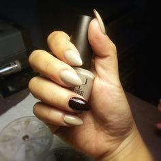 #CrytolNailBar. Tricky. Round pointy nails