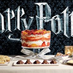 The amount of times I've wondered at what those Hogwarts feasts would really be like. These all sound absolutely, mouth-watering-ly amazing! Harry Potter Desserts, Harry Potter Food, Harry Potter Halloween, Harry Potter Christmas, Harry Potter Birthday, Sweet Tooth, Sweet Treats, Favorite Recipes, Menu Recipe