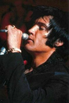 Elvis Presley rare pictures - 120 Pics |  ONE OF THE BEST PHOTO.....