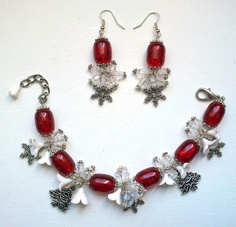 Christmas bracelet and earrings  Red jewelry  Handmade by insou, $43.00