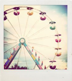 Don't you just love Polaroid Pics of ferris wheals? Photo Polaroid, Polaroid Pictures, Polaroids, Farris Wheel, Little Paris, Carnival Rides, Pink Sugar, Pretty Photos, Beautiful Pictures
