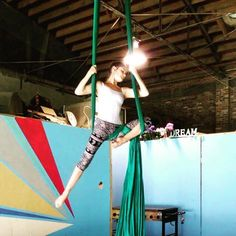 Here's some aerial candy! This is Rebekah Leach's Knee Lock to Hip Key Seat. #aerialsilks