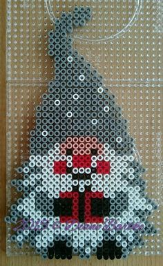 Wichtel 2 Fuse Bead Patterns, Craft Patterns, Beading Patterns, Quilt Patterns, Fuse Beads, Pearler Beads, Christmas Perler Beads, Perler Bead Templates, Hama Beads Design
