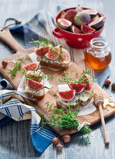 Crostini met gorgonzola,  vijgen en honing.  Heerlijk zomers!