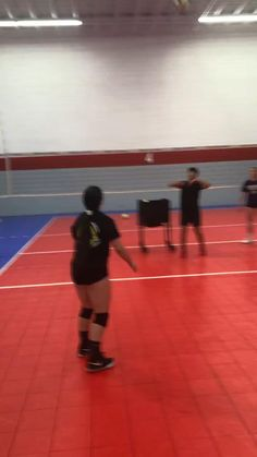 Volleyball Passing Drills, Volleyball Tryouts, Volleyball Motivation, Volleyball Skills, Volleyball Photos, Volleyball Practice, Volleyball Setter, Volleyball Training, Coaching Volleyball