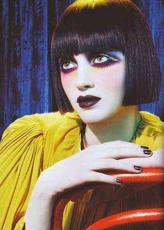 Photo by Miles Aldridge for Vogue Russia, July 2006 Glam Makeup, Makeup Inspo, Makeup Inspiration, Hair Makeup, Catwalk Makeup, Poses, Beauty Make Up, Hair Beauty, Make Up Art