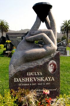 Idulya Dashevskaya by Piemouth, via Flickr--diamonds are forever--headstone